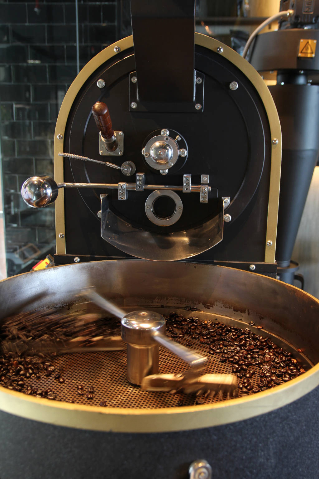 Creneau Interior Design Agency Dubai Middle East Leopold's of London Fresh Coffee Roast